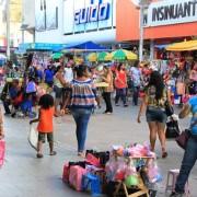 Aumento de camelôs em bairros fora do Hipercentro dificulta fiscalização e irrita lojistas
